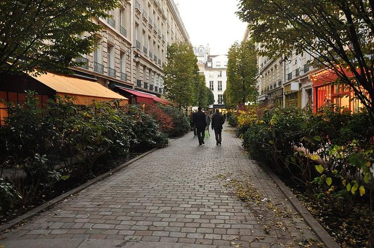 Rue du Tresor - Paris Attitude