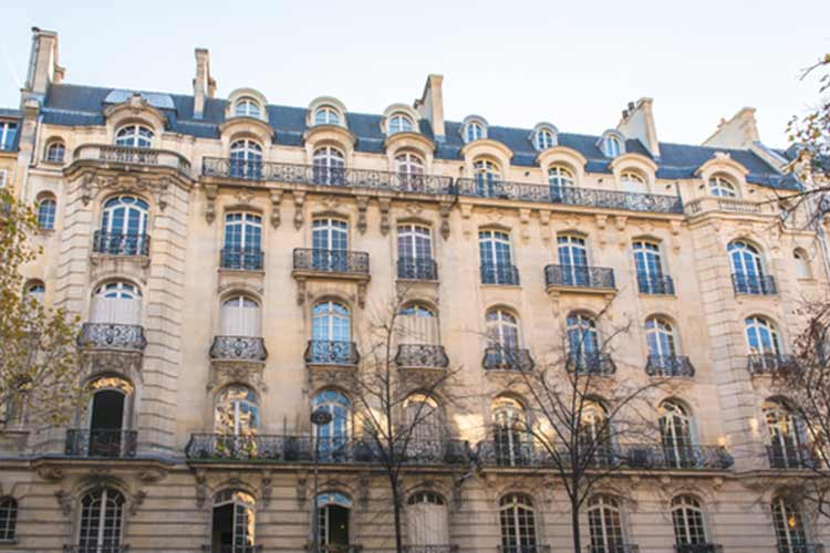 magnificent architecture of the 16th arrondissement