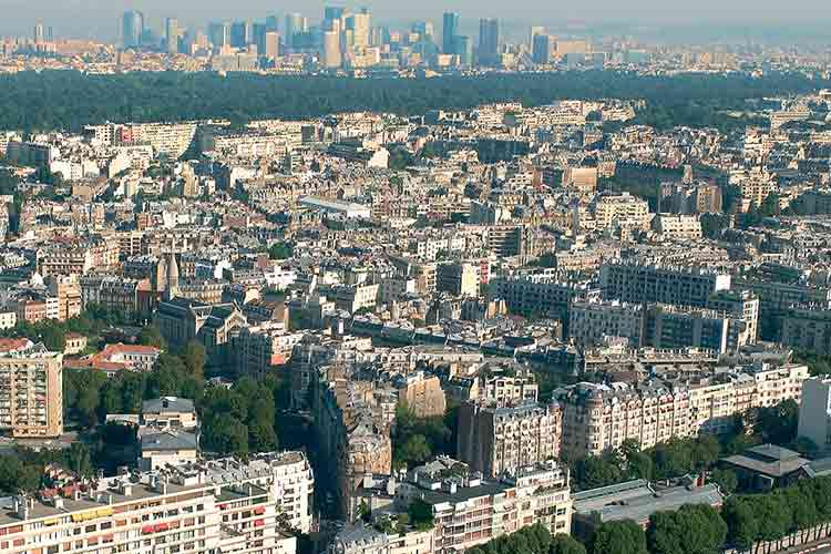 multitude of neighborhoods in Paris