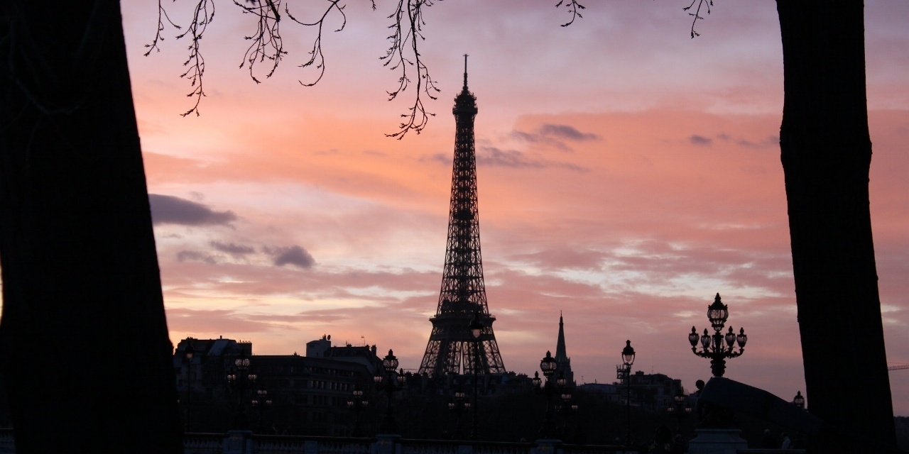 What are the risks and how to avoid them in Paris ?