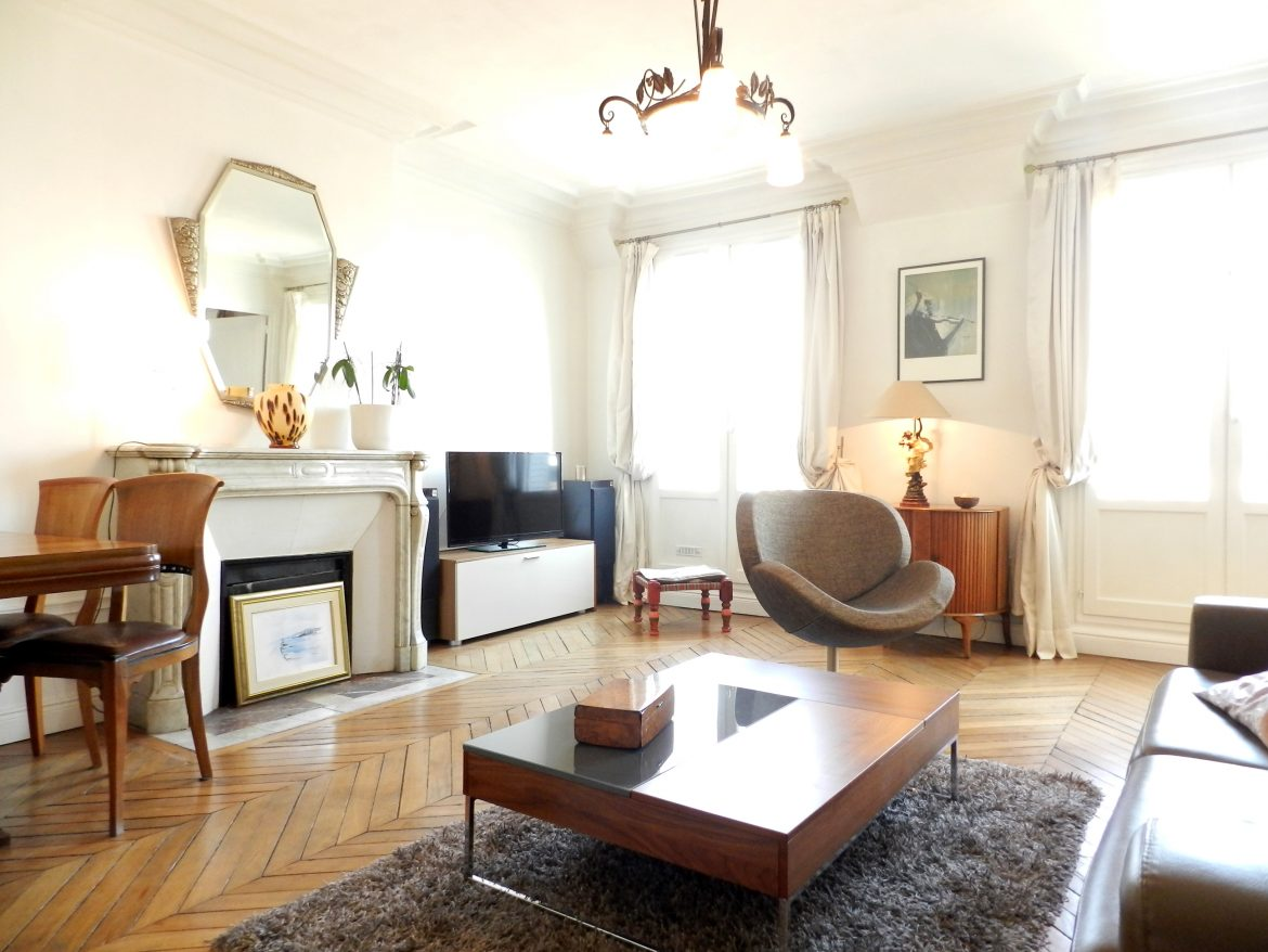 living-room-paris